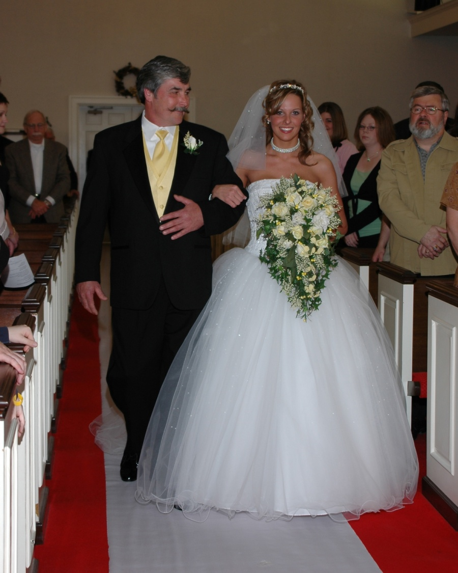 8x10-bride-and-dad-down-aisle-e1469046896672