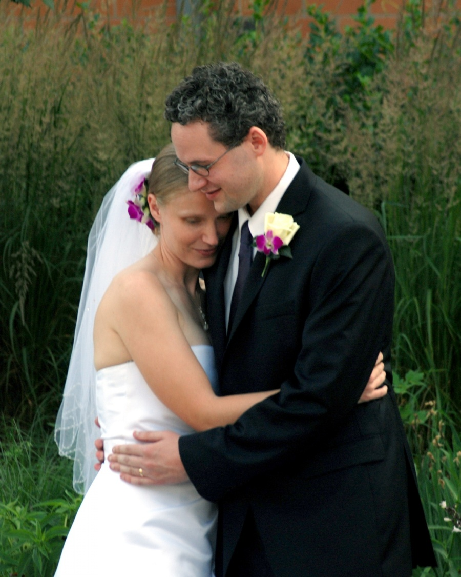 8x10-bride-and-groom-hug-e1469046850455