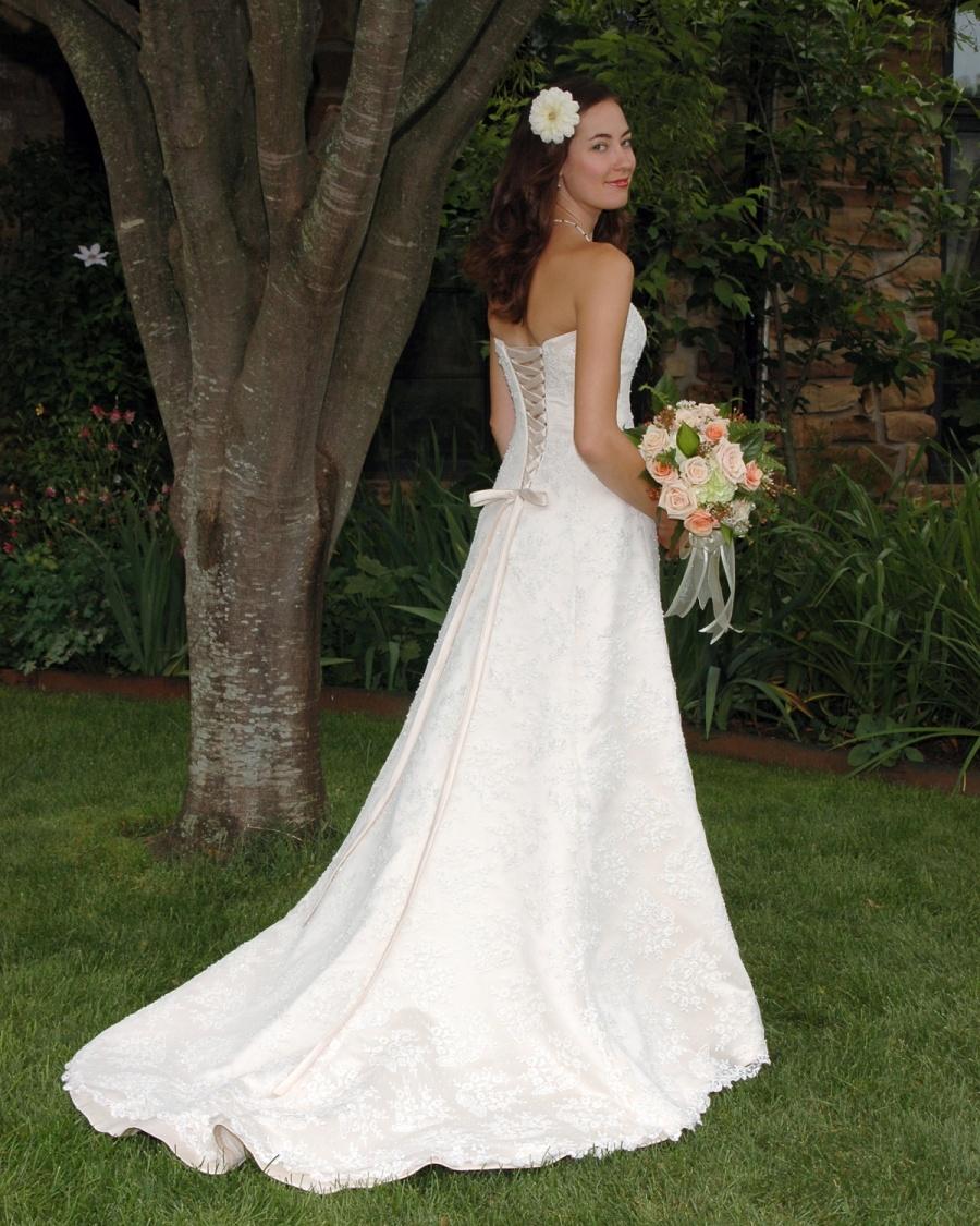 8x10-bride-over-shoulder-full-length-e1469046728973