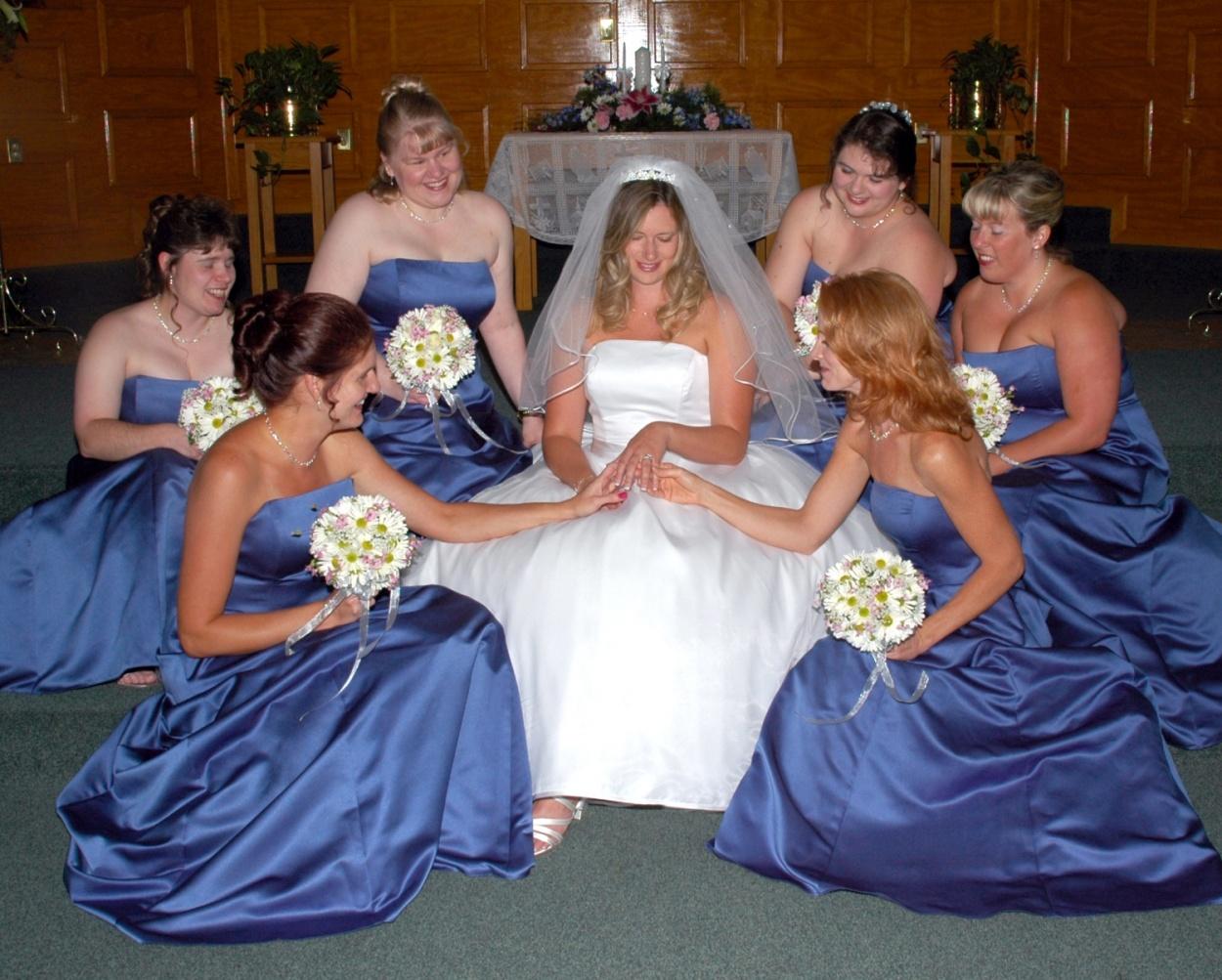 8x10-bride-with-bridesmaids-ring-e1469046696984