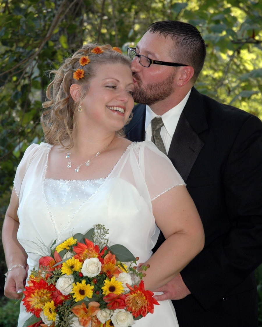8x10-groom-kissing-bride-from-behind-e1469046604469
